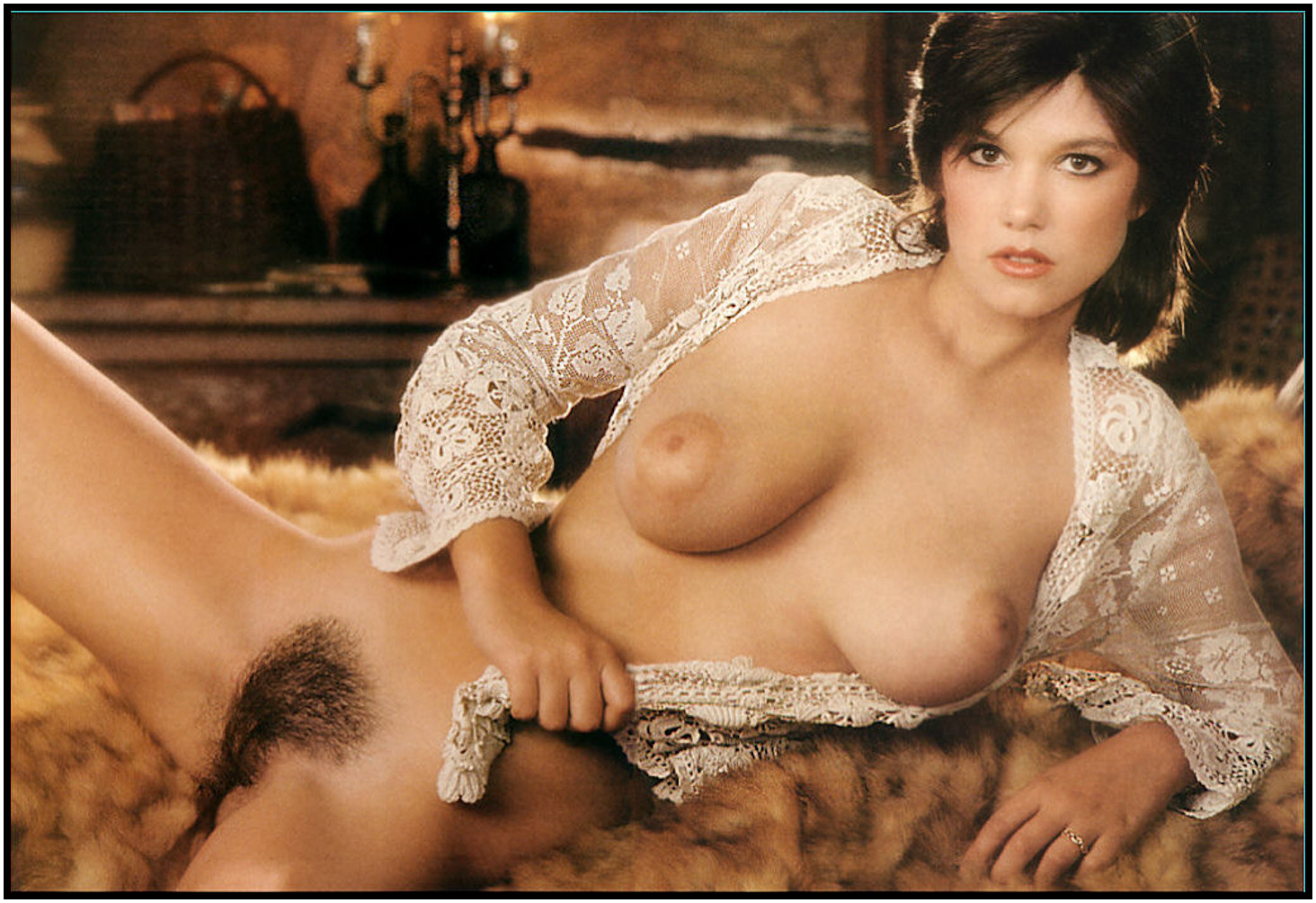 Polliana nude latina