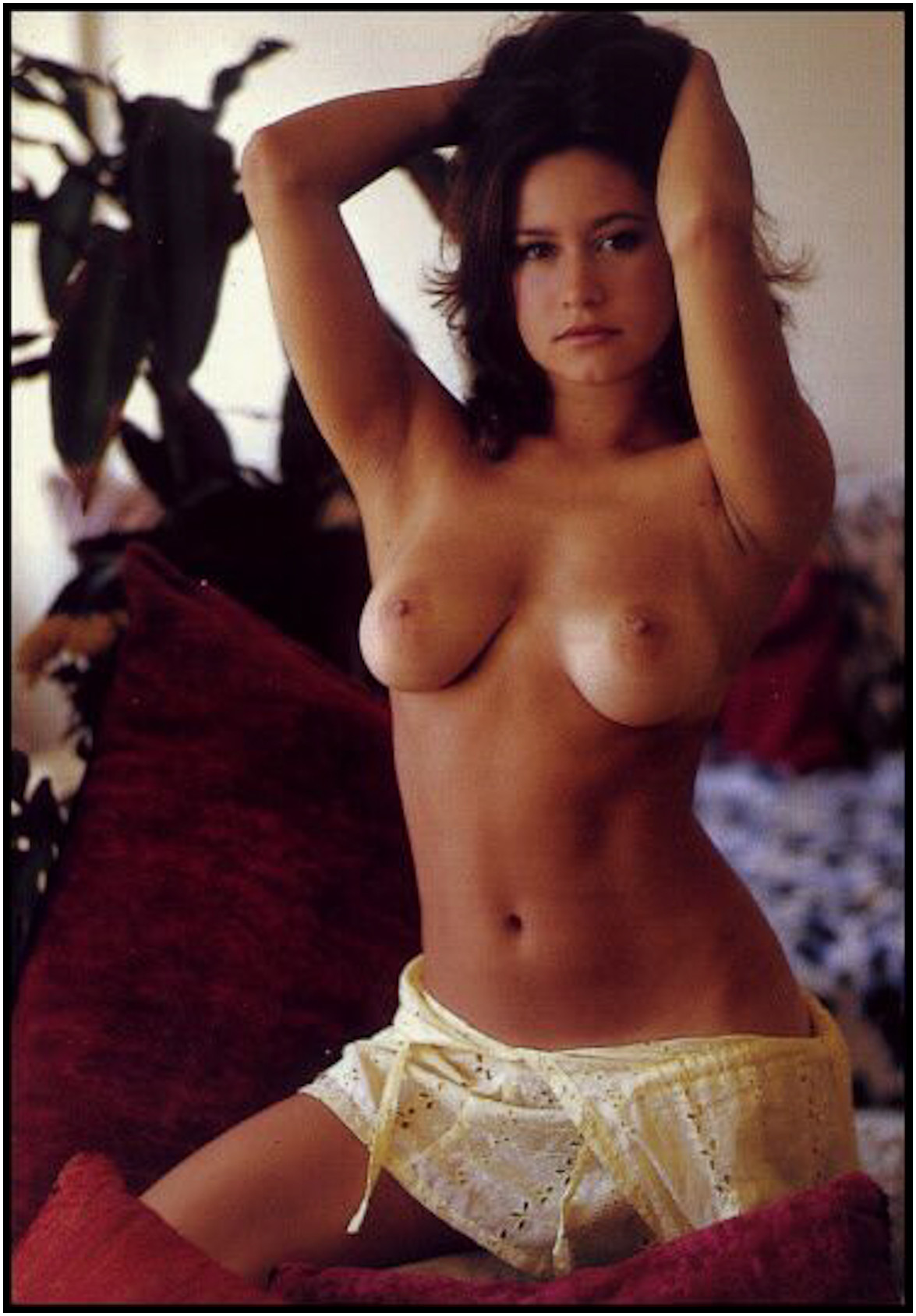 naked-linda-cohn-real-flatchested-women-nude